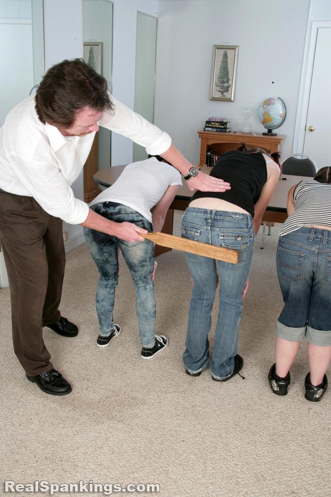 Как наказывают домохозяйку очень